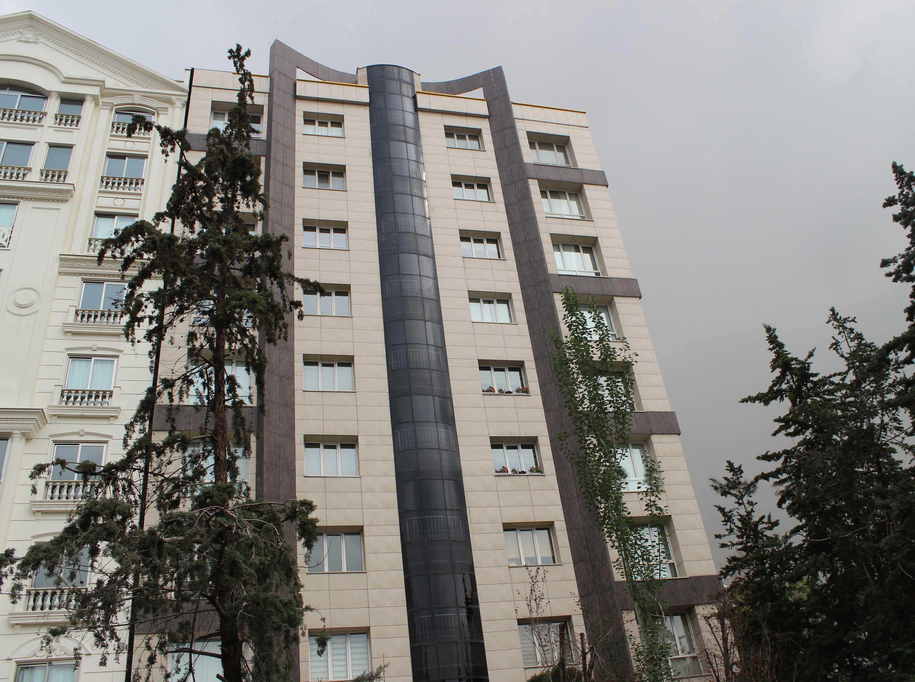 ساختمان مسکونی آریای تهران